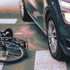 Risarcimento danni da incidente stradale mortale: chi ne ha diritto e i tempi