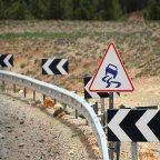 Risarcimento danni per guard-rail difettoso, assente o non a norma