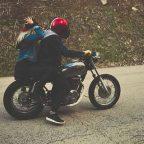 Risarcimento incidente in moto senza casco o non omologato